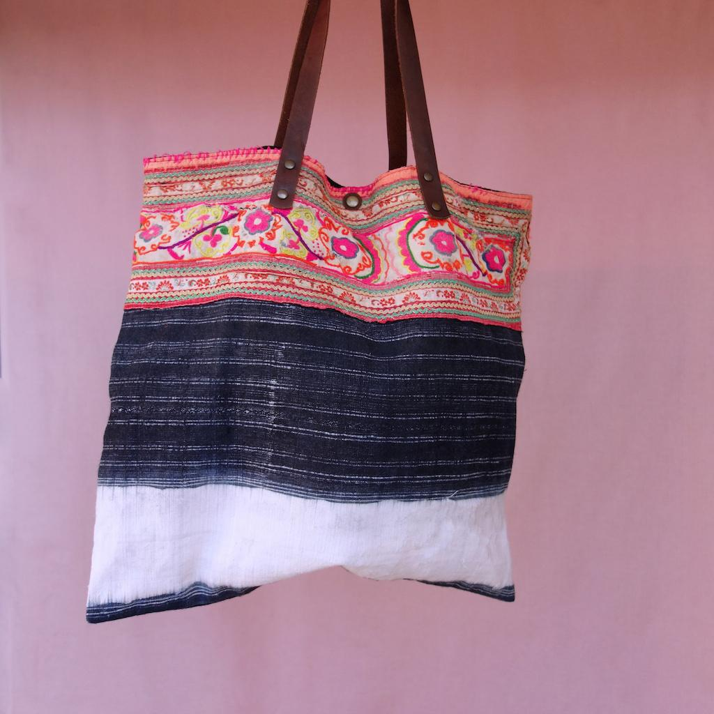 Sac Kyoto minorité mong indigo lin coton anses cuir brodé main vintage