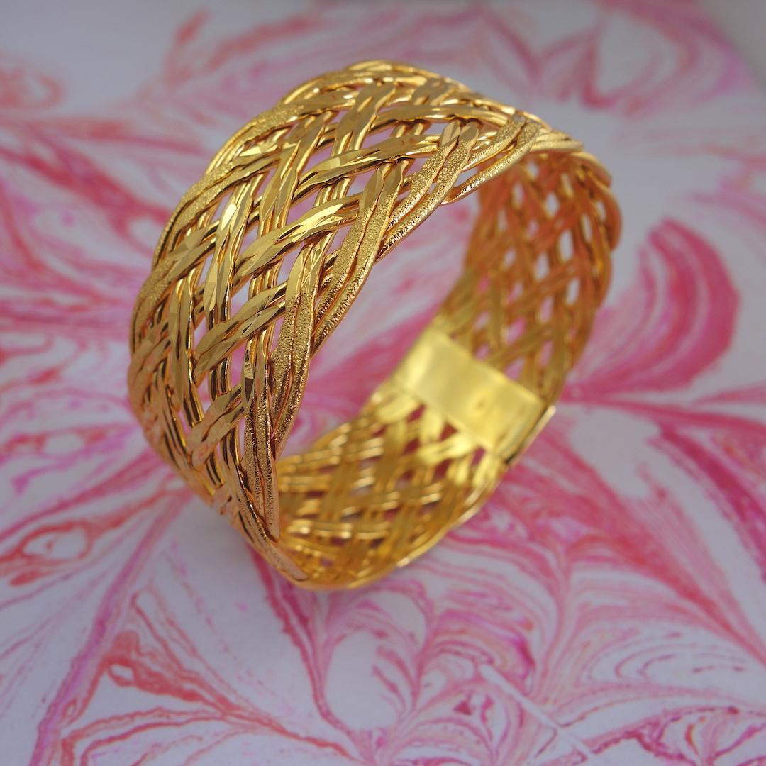 bracelet-manchette-phraya-roulotte-laiton-dore-or-dentelle-ouvrage