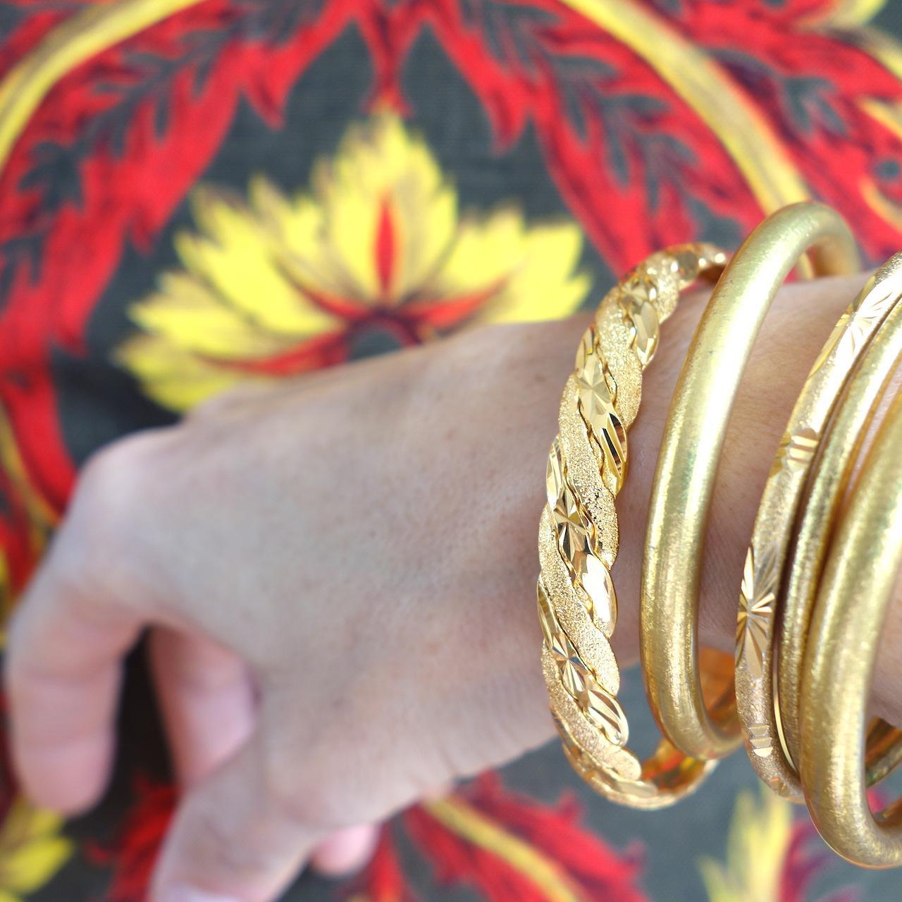 bracelet-scarlett-roulotte-torsade-dore-lumineux