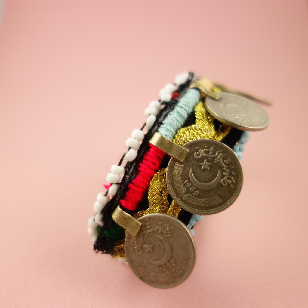 Bracelet en tissu afghans de robes traditionnelles pieces de monnaie