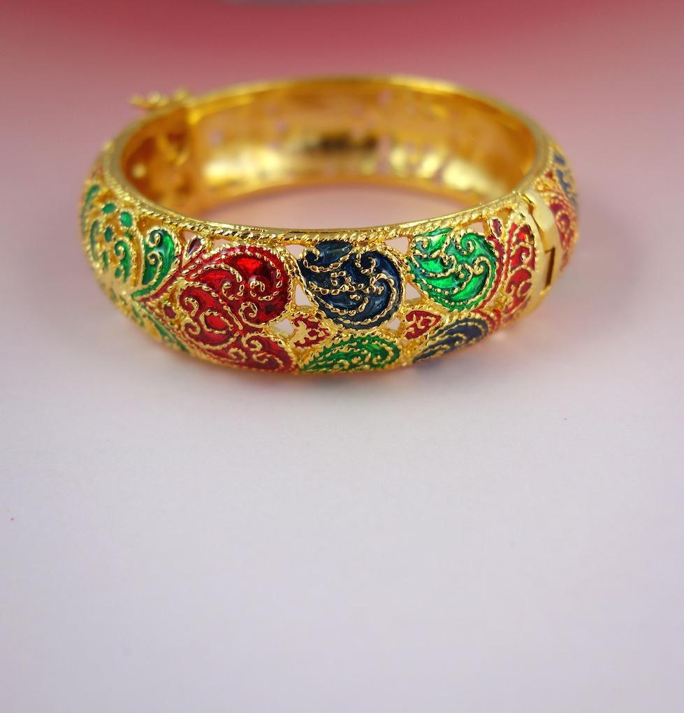 Bracelet jonc Saphan bangle ouvragé dentelle doré