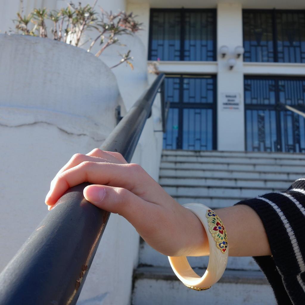 Bracelet jonc Siam ouvragé doré temple