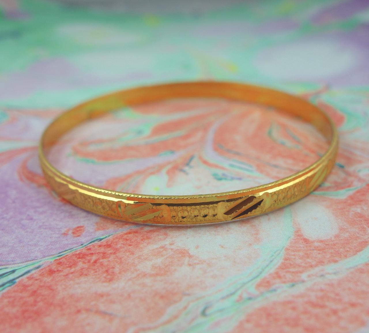 bracelet-oriane-roulotte-laiton-dore-ouvrage-martele-facon-vintage-retro-voyageur