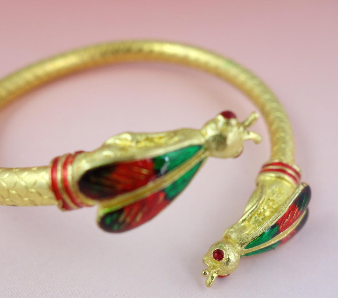 Macro bracelet Saba doré articulé abeilles temple bouddhiste talisman