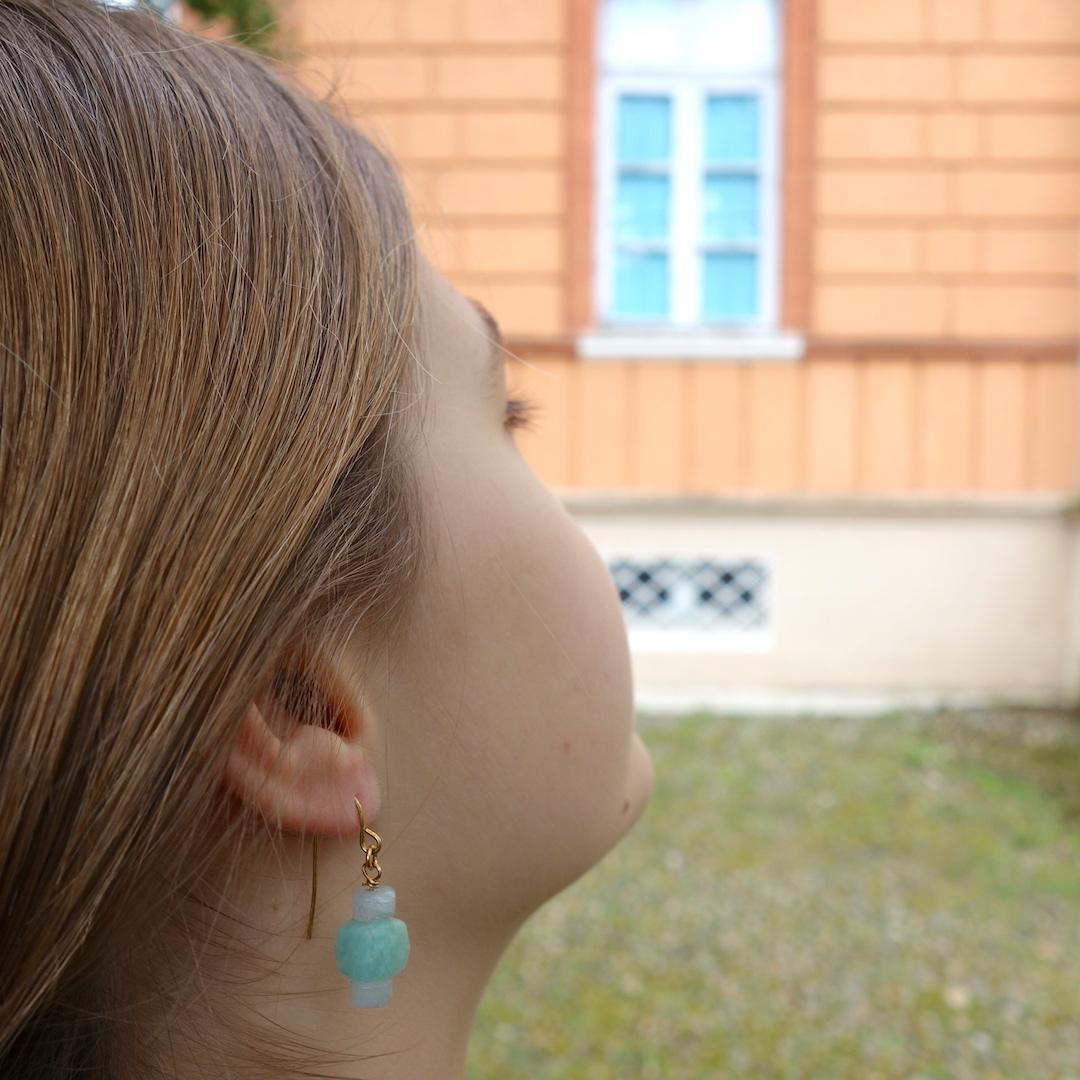 boucle-agata-mannequin-pierre-semi-precieuse-agate-bleu-dormeuse-dore-or-fin