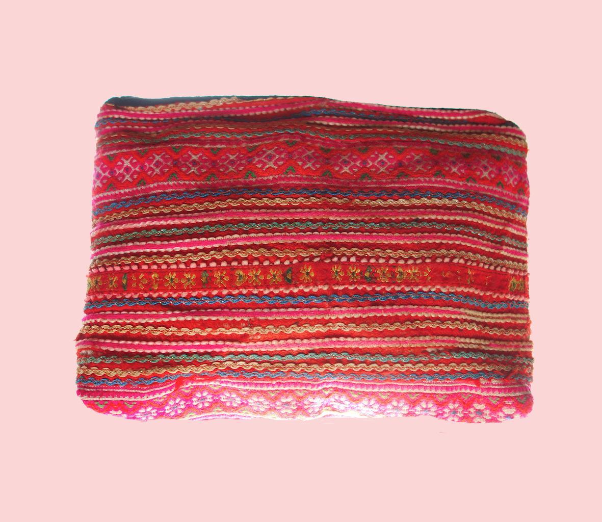 Pochette Tam Dao tissu brodé main vintage minorité Mong