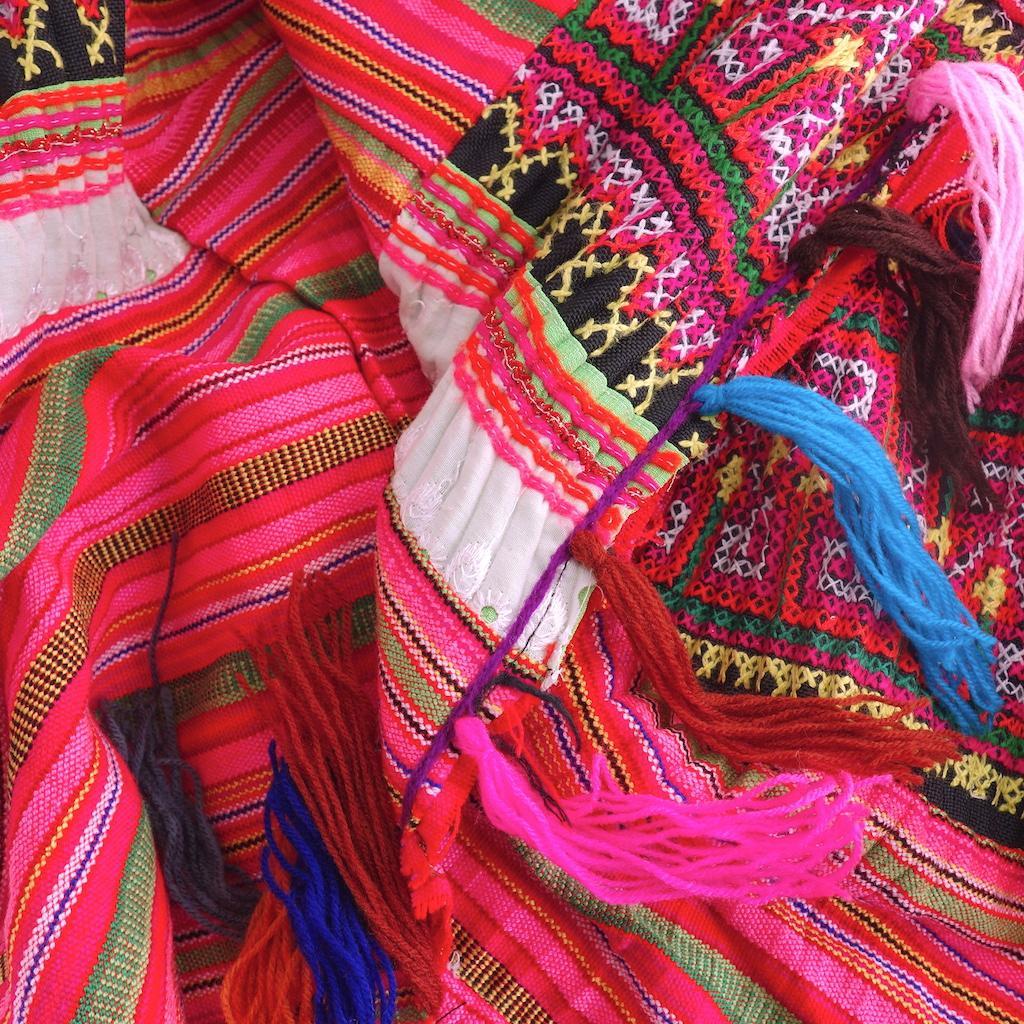 Cheich chiang Mai pompons de laine minorités Mong fait main